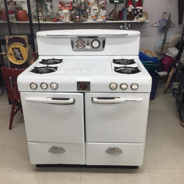 Vintage Magic Chef Stove | ApplianceBlog Repair Forums on magic chef oven repair manual, samsung microwave wiring diagram, magic chef oven thermostat replacement, magic chef oven parts manual, defrost timer wiring diagram, magic chef mini refrigerator manual, magic chef oven parts diagram, whirlpool dryer wiring diagram, amana refrigerator wiring diagram, magic chef refrigerator wiring diagram,